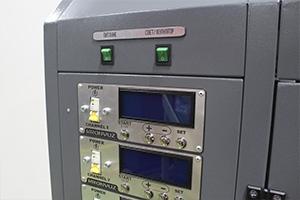 Управление питанием и освещением шкафа для зарядки