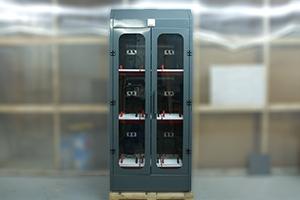 Трехъярусный шкаф для заряда 9-ти аккумуляторных батарей серии Светоч-03-09