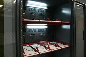 Два яруса аккумуляторного шкафа Светоч-03-12