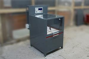 Зарядно-разрядный шкаф серии Светоч-04-01