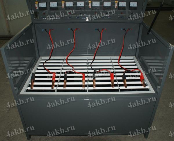 Зарядный шкаф для аккумуляторов серии Светоч-04. Вид в открытом положении