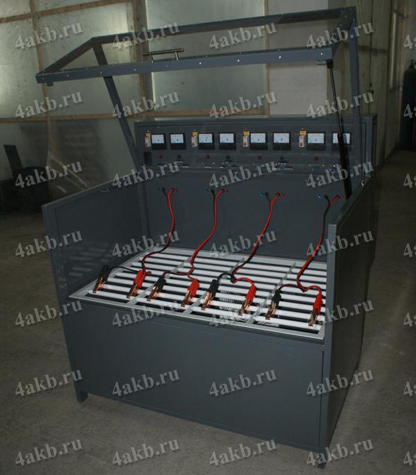 Шкаф серии Светоч для зарядки АКБ. Вид в открытом положении