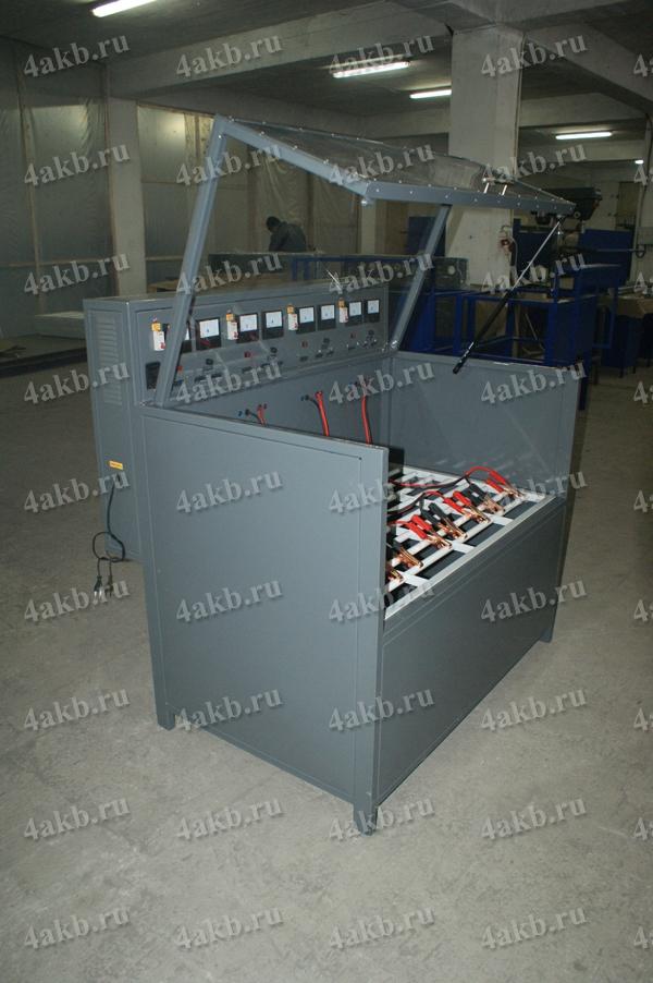 Шкаф серии Светоч для зарядки АБ серии Светоч-04. Вид в открытом положении