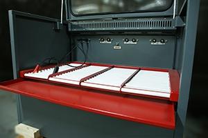 Фото роликовых полок для быстрой установки или извлечения аккумуляторов