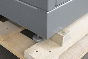 Фото металлических ножек шкафа для заряда АКБ