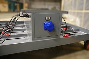 Розетка для подключения электропитания к аккумуляторной тележки