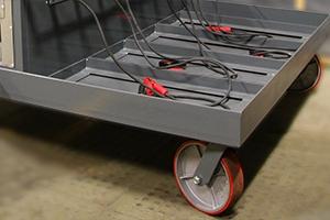 Колесо для перемещения аккумуляторной зарядно-подзарядной тележки