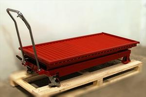 Фото тележки с подъемной платформой рольганг 05.Т.034.02-9.008 (Красного цвета)