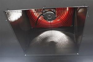 Вентиляция установленная в шкафа для заряда аккумуляторов