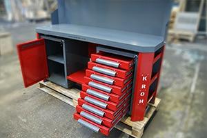 Выдвижные ящики для хранения инструмента