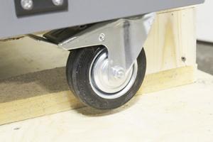 Фотография комплекта колес устройства