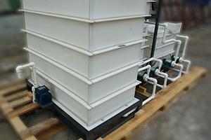 Основная емкость для хранения кислотного электролита