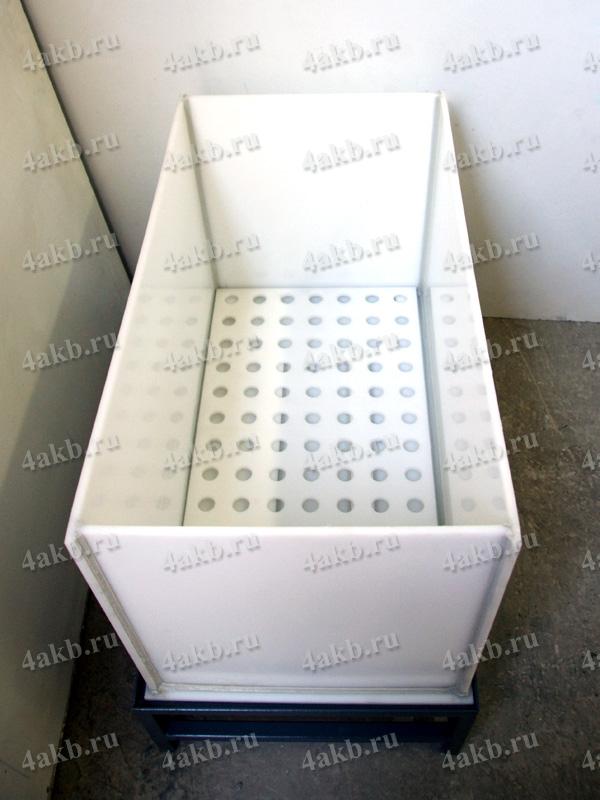 Винипластовая ванна для промывки АКБ со сливом и решеткой