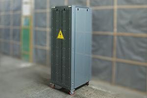 Автоматический зарядный выпрямитель серии ВЗА вид сзади