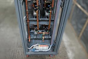 Подключение электрических компонентов внутри зарядного выпрямителя серии ВЗА