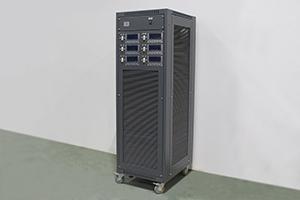 Универсальный зарядно-разрядный стенд для АКБ фотография