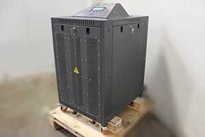 Автоматизированное зарядное устройство УЗА-150-80 вид сбоку