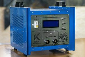 Импульсное зарядно-разрядное устройство серии Зевс-Р вид сбоку