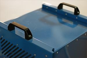 Ручки для переноса зарядно-разрядного устройства
