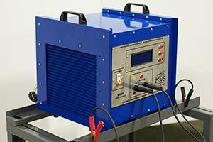 Фото зарядно-разрядного устройства Зевс-30A.32B.R30A общий вид