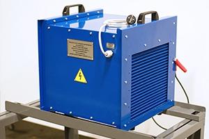 Фото зарядно-разрядного устройства Зевс-30A.32B.R30A вид сзади