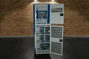 Внутреннее оснащение многоканального зарядно-разрядного устройства