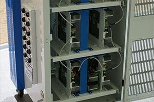 Расположение зарядно-разрядных модулей в устройстве