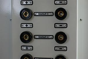Разъемы для подключения аккумулятора к зарядно-разрядному устройству