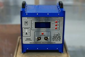 Панель управления зарядно-разрядным устройством серии Зевс-Р