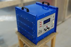 Импульсное зарядно-разрядное устройство серии Зевс-Р для аккумляторных батарей